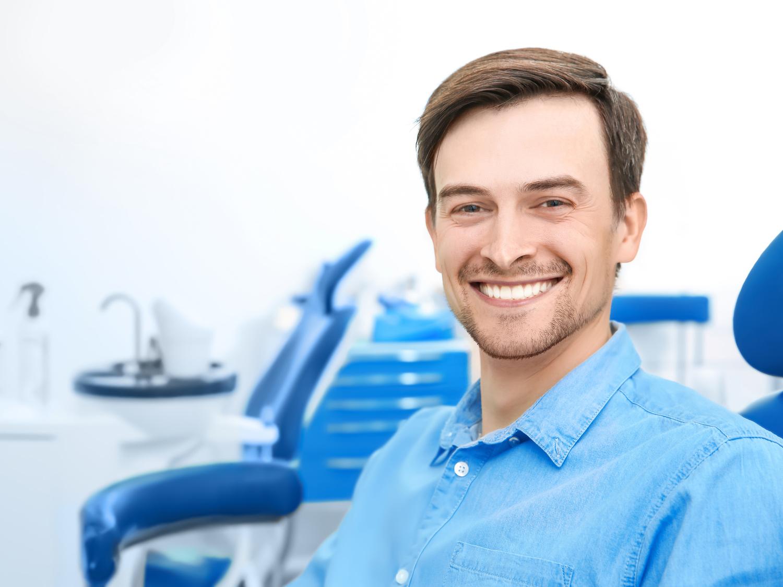 Gesunde Ernährung und Fluoride schützen vor Zahnerosion durch Säuren