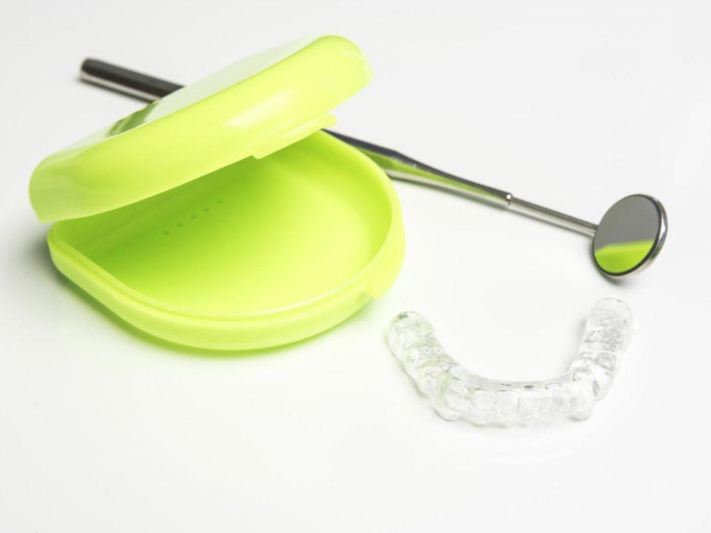 Schnarchtherapie mit Hilfe von Zahnschienen