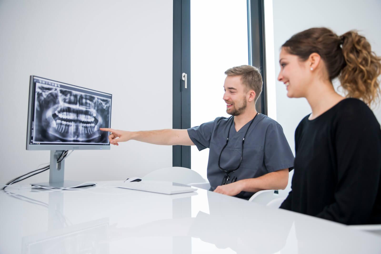 Kassenpatienten erhalten bei uns auch Informationen über Zahnzusatzversicherungen