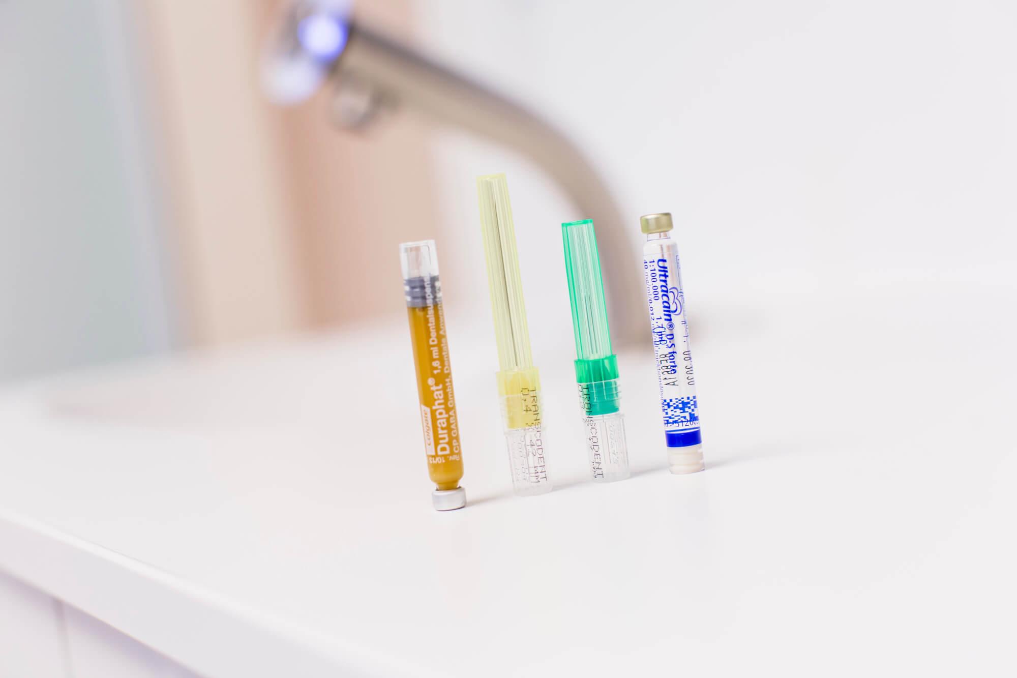 Damit der Griff mit der Zange nicht weh tut: schmerzfreie Zahnextraktion mit Lachgas oder Dämmerschlaf