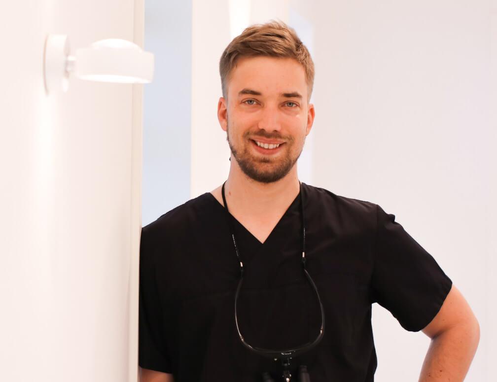 Michael Javier Weiss - Zahnarzt bei MunichDent